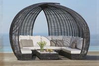 DAYBEDS / LOUNGES