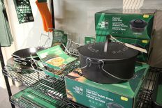 Big Green Egg Grill Cast Iron Dutch Oven